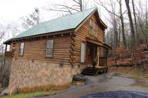 Gatlinburg Tn Cabins For Sale by 536 Forest Springs Drive Gatlinburg Tennessee 37738