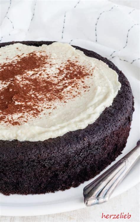 kuchen leicht backen guinness kuchen schwarz saftig unfassbar gut herzelieb