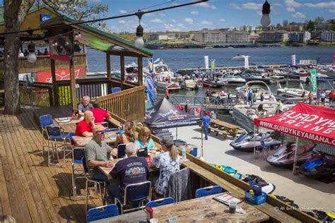 days lake of the ozarks barrett brothers serve up restaurant success at lake of the ozarks on water
