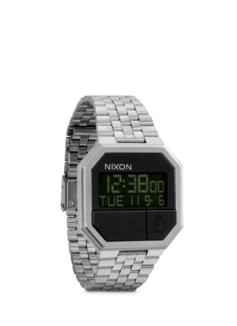 nixon rerun digital in metallic for lyst