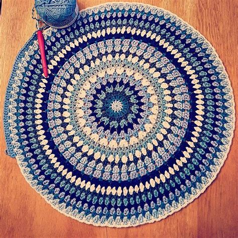 circle pattern rug 1000 images about handmade rugs on free pattern trapillo and crochet rug patterns