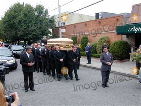 photos and pictures n y gotti funeral at