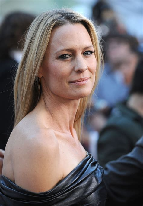 robin wright tracheotomy scar robin wright penn photo 47 of 212 pics wallpaper photo