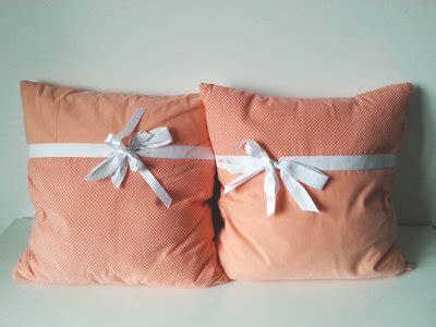 cuscini romantici cuscini romantici con fiocco e pois per la casa e per te