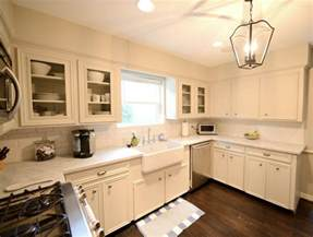 Attractive Kitchen Cabinets And Countertop Color Combinations #7: 392a62682b2a.png