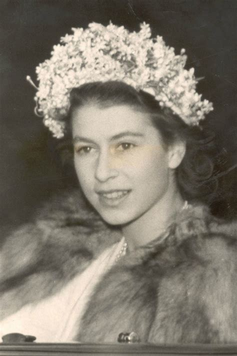 queen elizabeth hairstyles queen elizabeth s style evolution instyle co uk