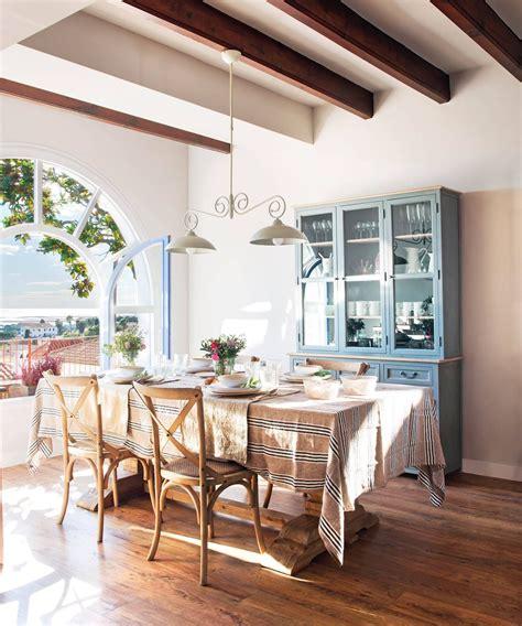 una alacena pintada en azul grisaceo muebles de