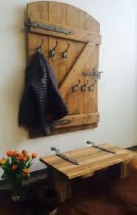 alte garderobe die besten 25 garderobe holz ideen auf