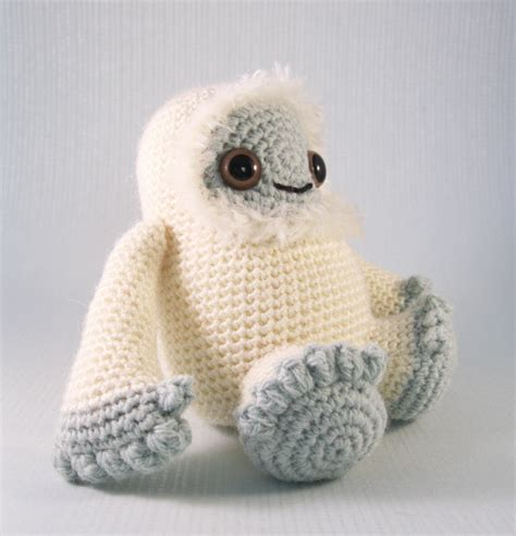 yeti crochet pattern lucyravenscar crochet creatures yeti and bigfoot