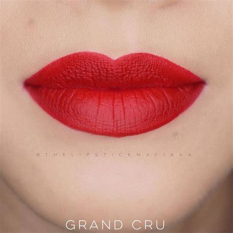 Lipstik Bourjois Edition Velvet edition velvet in the shade no 08 grand cru