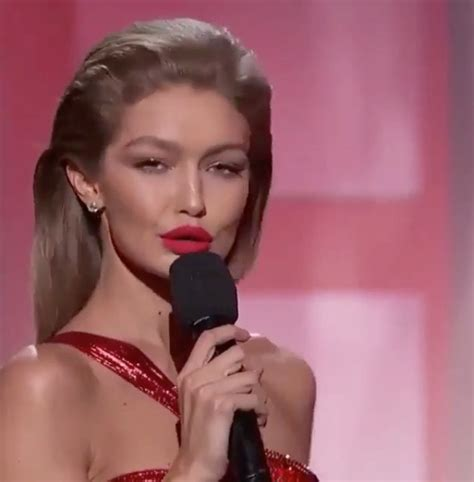 gigi hadid sort of apologizes for her melania trump gigi hadid apologizes for her melania trump impersonation