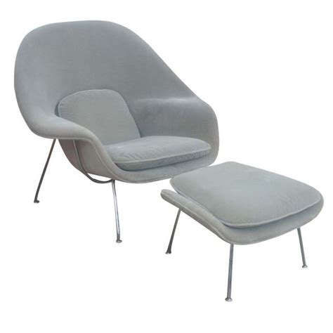 womb chair with ottoman eero saarinen for knoll womb chair and ottoman at 1stdibs
