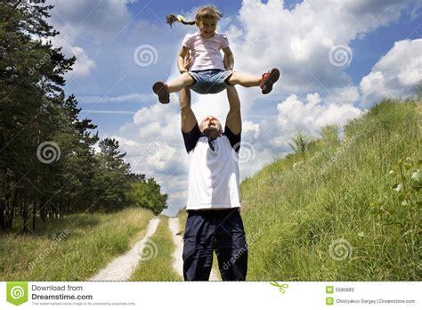 www padre manosea a hija com padre manosea la hija el padre y la hija 3 fotos de
