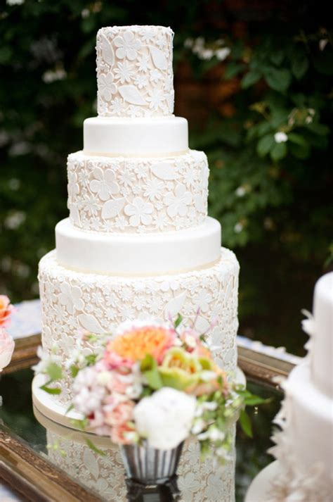 lomelinos cakes 27 pretty 27 gorgeous wedding cakes that are almost too pretty to eat