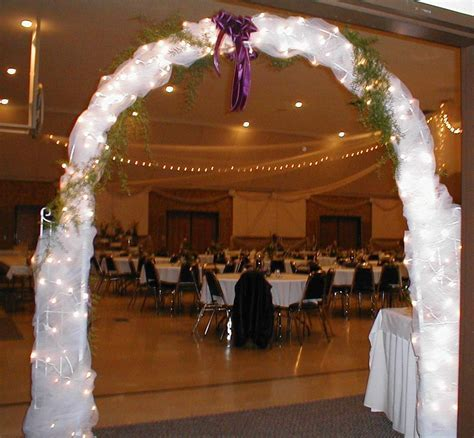 Indoor Wedding Ceremony Arch Decorations   Fab Ways to