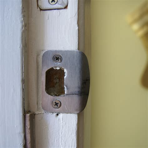 door will not lock tips for diagnosing and remedying the effects of external