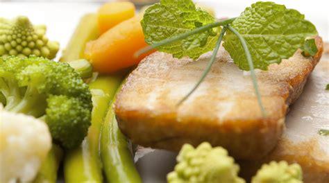 cucinare tranci di tonno ricetta tranci di tonno alla menta giornale cibo
