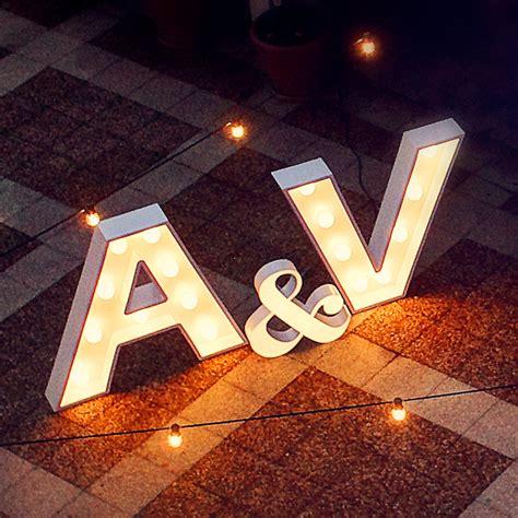 letra n vintage con bombillas alquiler de letras luminosas para bodas letras decoraci 243 n