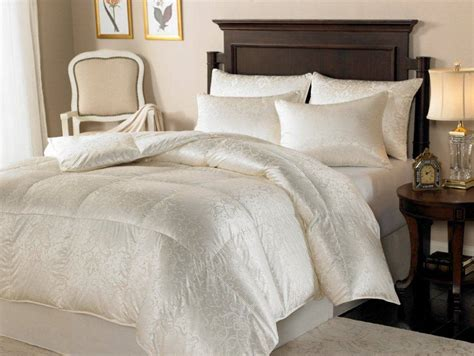eiderdown comforter downright eliasa eiderdown comforter and pillows