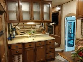 5th wheel cers with front living room open range light 311flr front living room fifth wheel