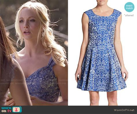 Carolin Blus wornontv caroline s blue floral print dress on the