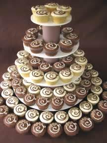 wedding cake and cupcake ideas for a unique touch wedding cupcakes for your guests wedding cake designs