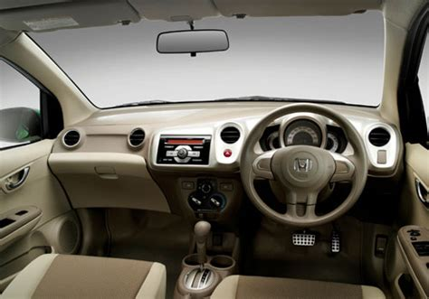 Amaze Car Interior by Dzire Vs Honda Amaze Car Comparisons