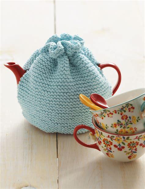 free pattern tea cosy lily tea cozy knit pattern yarnspirations