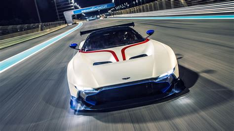 aston martin vulcan wow the aston martin vulcan is incredible moto networks