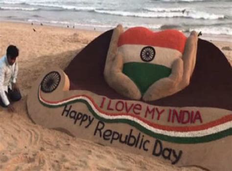 'I love my India' says this sand art on 68th Republic Day   The Economic Times Video   ET Tv