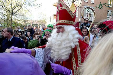 Santa Claus Sinterklas santa claus vs sinterklaas difference and comparison