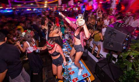 bali club nightlife bali nightlife bars clubs in bali the honeycombers bali