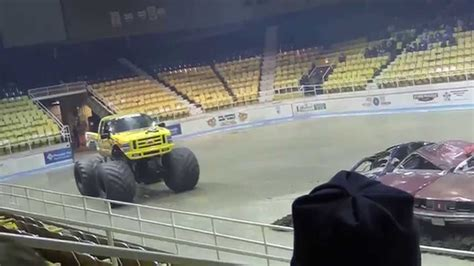 hara arena monster truck defender monster truck wheelie contest at hara arena 2015
