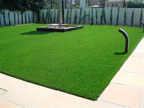 ciencias traviesas cesped artificial terraza perfect diseo de terraza con