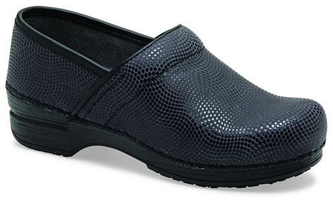 s pro xp leather black moray patent clog by dansko