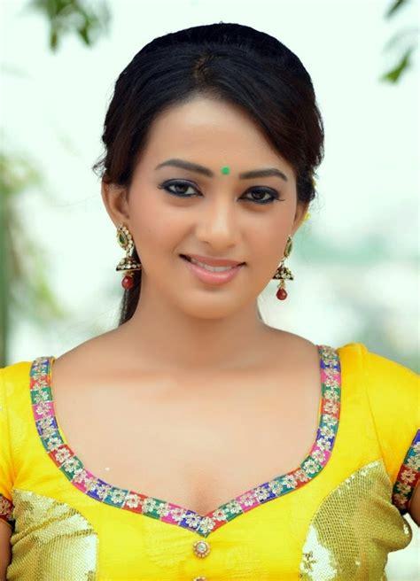 esther indian actress ester noronha stills from bhimavaram bullodu movie south