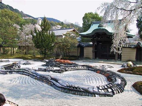 a dragon made of roof tiles kodai ji higashiyama kyoto
