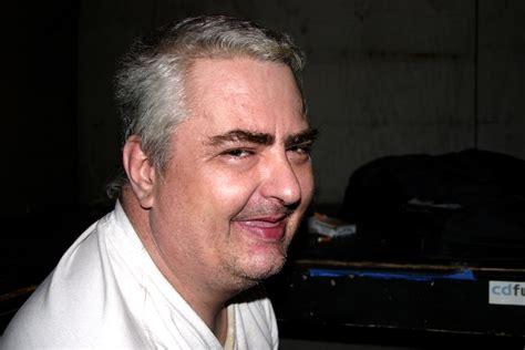 soundtrek film kirun dan adul file daniel johnston at emos 1 jpg wikimedia commons