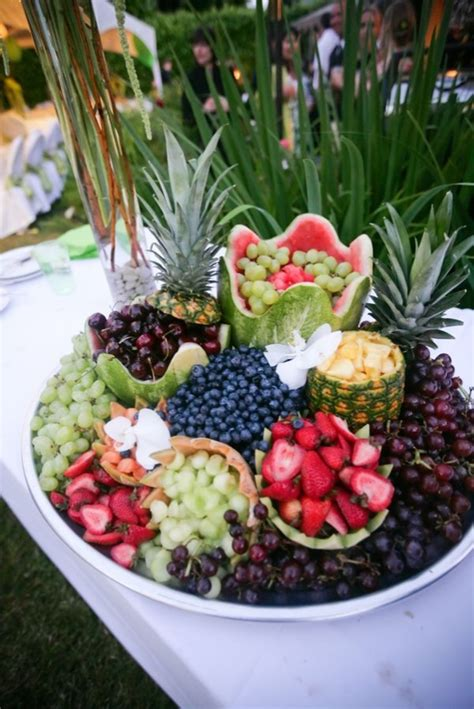 buffet fruit table display