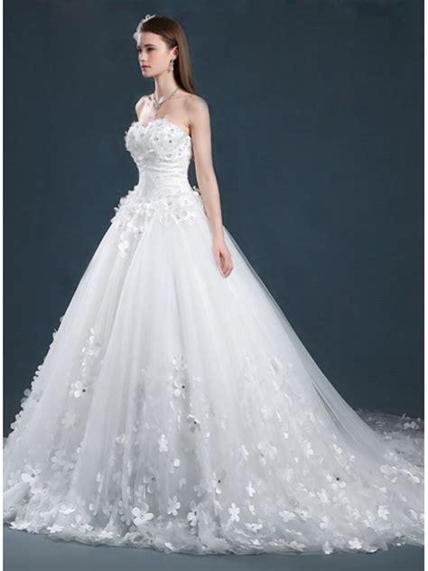 fiori per abiti da sposa abito da sposa di tulle con applicazioni di fiori