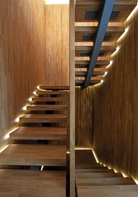 beleuchtung treppe beleuchtung treppenhaus l 228 sst die treppe unglaublich sch 246 n