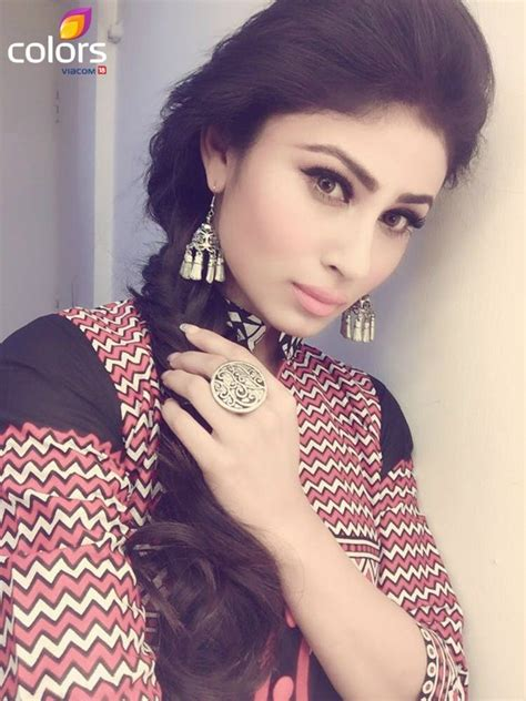 nagin all song mony roy mouni roy rubbishes dating rumours with naagin co star