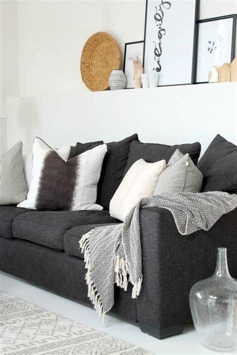 idyll og   lite livstegn grey sofa living room