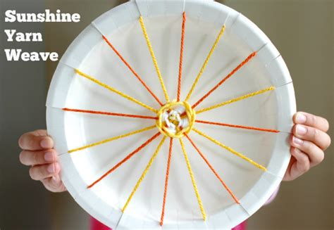 Paper Plate Weaving Craft - yarn weaving make and takes