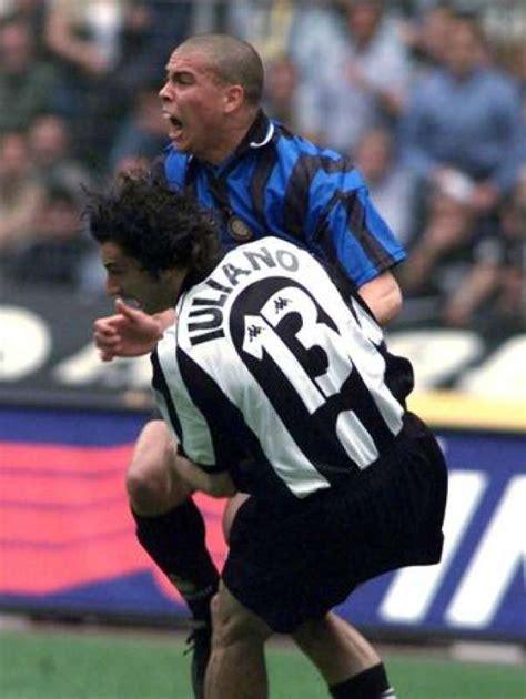 ronaldo juventus 1998 1998 il fallo di iuliano su ronaldo dago fotogallery