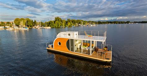 nautilus hausboot the nautino maxi houseboat makes a statement on the water