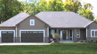 New Ranch Style Homes Steel Siding On New Home Construction Case Study By Edco