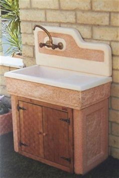 lavelli per esterni lavelli in pietra lavelli da incasso lavabo per esterno