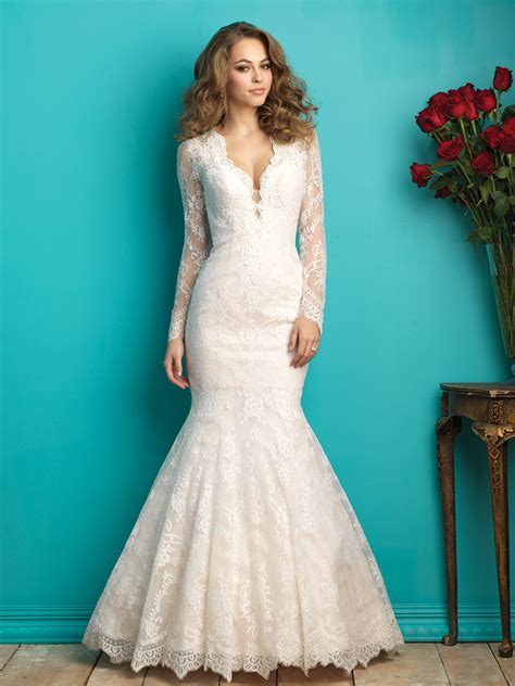 Wedding Dress Shapes and Styles for Brides with a Small