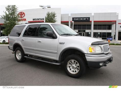 Expedition E6339m Silver Black 1 2002 silver metallic ford expedition xlt 4x4 32807942 gtcarlot car color galleries